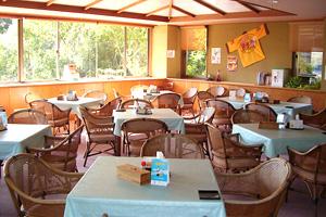 軽食喫茶室